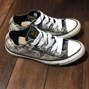 Women's Converse All stars ⭐️ with Cats!